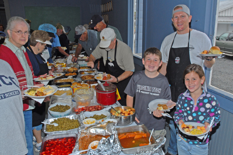 The volunteers eat well on preparation days